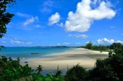 Пляж Оучител в городе Сиануквиль